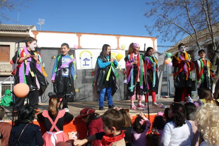 Festividad del domingo de piñata 7