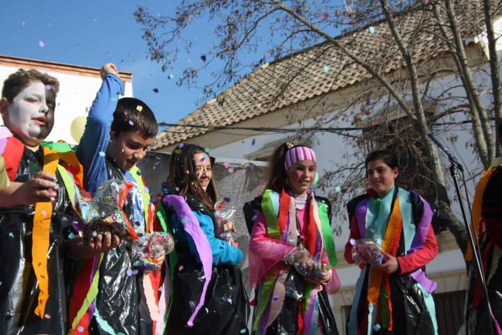 Festividad del domingo de piñata 8